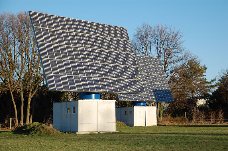 800px-Dedinghausen_Solaranlage_02
